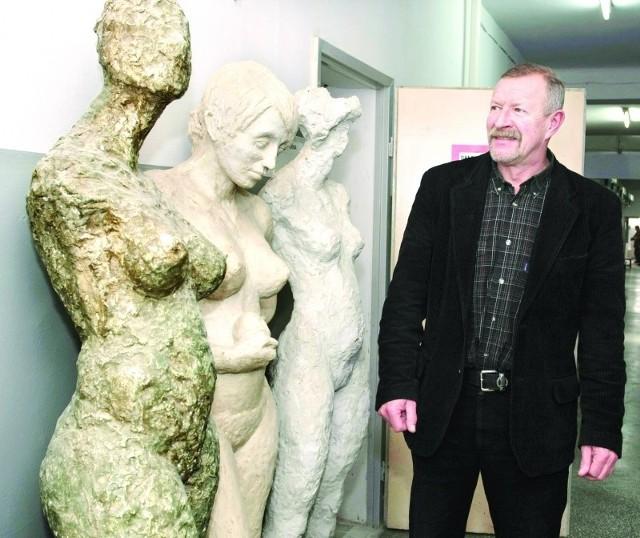 - Kształtowanie przestrzeni i form rzeźbiarskich - ta nowa specjalność, która pojawi się od przyszłego roku akademickiego - mówi dr hab. prof. UR Jerzy Kierski, dziekan wydziału sztuki.