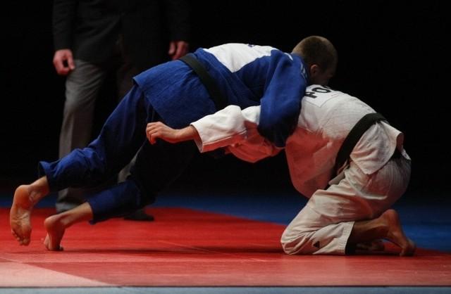 W sekcji judo trenowało kilkunastu chłopców. Niektórzy od kilku lat. Ich sukcesami klub chwalił się na stronie internetowej.