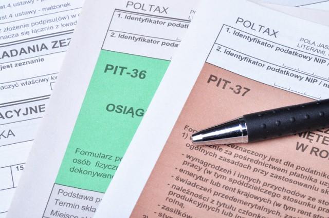 Wszystkie formularze podatkowe możesz pobrać i wydrukować ze strony internetowej Ministerstwa Finansów (www.finanse.mf.gov.pl). Urząd skarbowy przyjmie także ich kserokopie