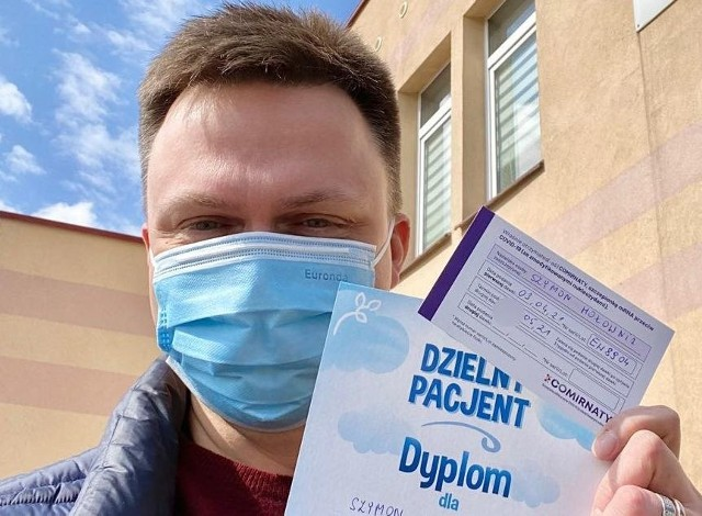 Szymon Hołownia pochwalił się w mediach społecznościowych szczepieniem w Starej Błotnicy.
