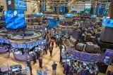 Koronawirus, czyli inwestowanie w czasach pandemii. Globalne rynki akcji spadły już od szczytów w tym roku ponad 30 proc. Jak inwestować?