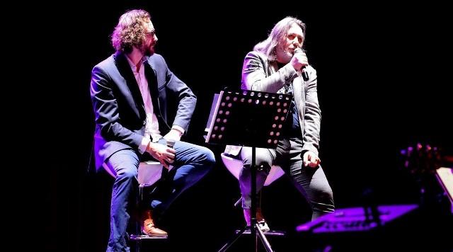 """14 maja 2021 (piątek), godz. 17.00 usłyszymy """"Pieśni Kresów Naszych"""" w wykonaniu grupy Jan Kondrak & Adam Szabat."""