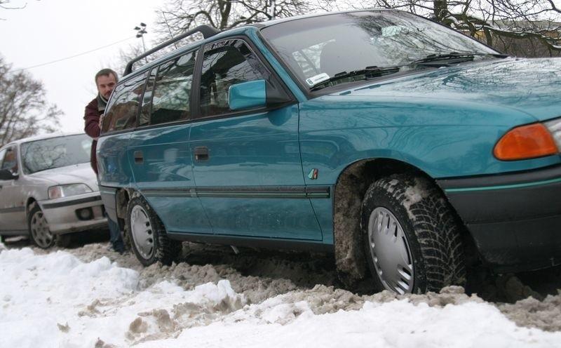 Samochody wielu słupszczan z powodu mrozów zostały unieruchomione.