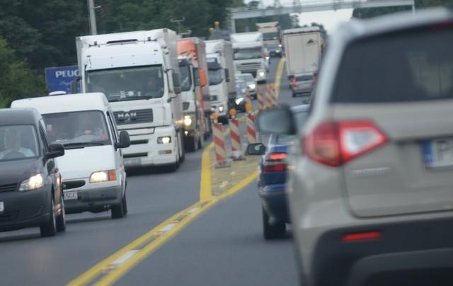 Utrudnienia na drodze S3 w związku z remontem węzła Sulechów potrwają ponad miesiąc.