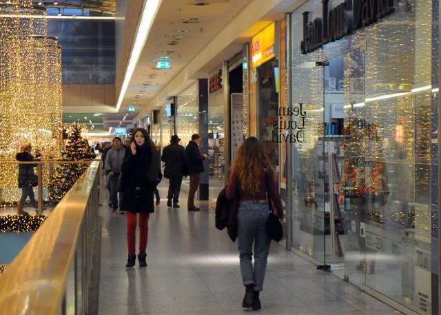 W ostatni dzień w roku zakupy możemy zrobić krócej niż zazwyczaj, przynajmniej do godz. 15