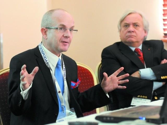 - Dzięki technikom inwazyjnym udaje się uratować coraz więcej osób z chorobą wieńcową - mówił prof. Jacek Kubica z CM UMK. Obok Wojciech Maksymowicz, były minister zdrowia