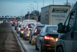 Kraków. Zamontowali światła przy węźle S7 Przewóz. Kierowcy narzekają na korki [ZDJĘCIA]
