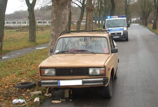 Mężczyzna chciał zabrać radio z Łady. Został zatrzymany przez policjanta.