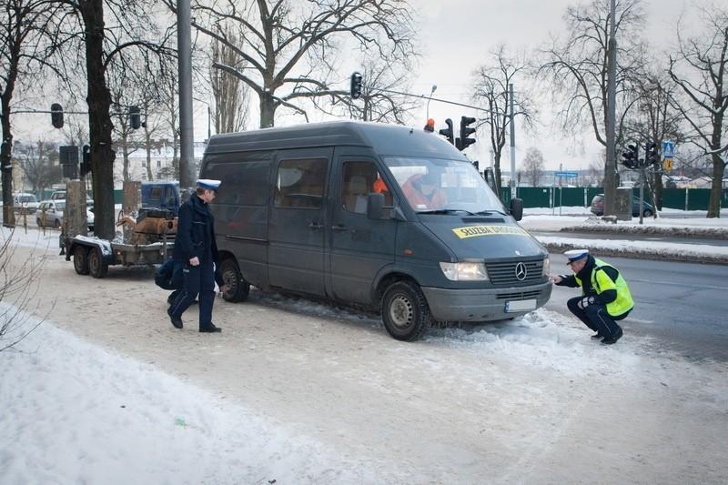 Łatali dziury w Słupsku i dostali mandat.