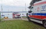 Szkwał przewrócił łódkę na Zbiorniku Dziećkowice. Ludzie wypadli za burtę. Gwałtowna burza uderzyła na Śląsku