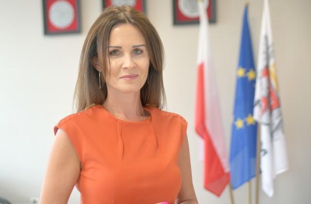 Wiceprezydent Katarzyna Kalinowska prosi rodziców, by zapisali swe pociechy do szkoły numer 25.