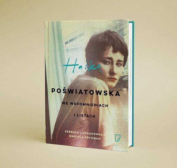 Jak wszystkie biografie złożone ze wspomnień, które zbiera i opracowuje Mariola Pryzwan, również i ta jest bogato ilustrowana – zdjęciami, dokumentami niejednokrotnie publikowanymi po raz pierwszy.