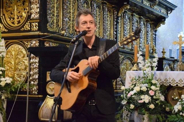 Podczas niedzielnego koncertu w Stromcu wystąpi między innymi Maciej Miecznikowski.