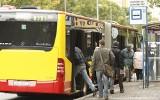 Palili papierosy w autobusie. Kierowca MPK zatrzymał autobus