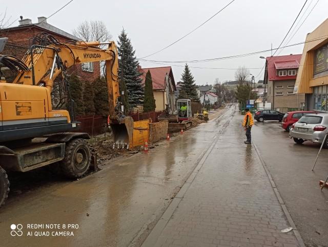 Budowa ponad 15 km kanalizacji w Jerzmanowicach i Sąspowie trwała dwa lata. Ścieki zostaną odprowadzone do oczyszczalni w Szklarach