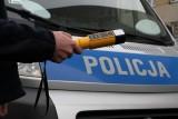 Kierowca chryslera miał blisko 3 promile. Wracał z pracy z dwoma kolegami, świadek zabrał mu kluczyki