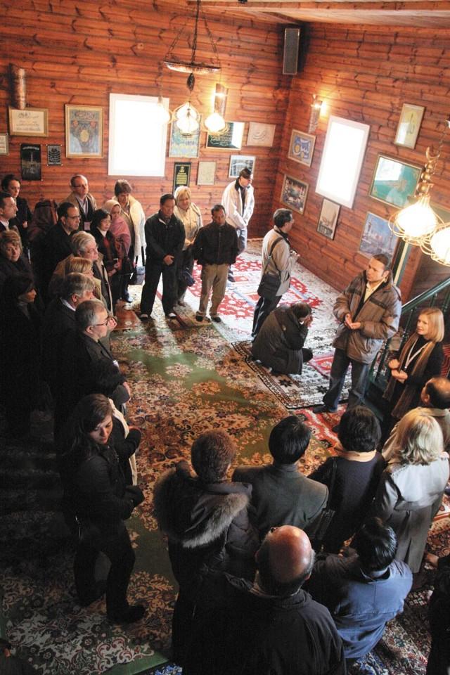 Meczet w Kruszy-nianach przyciąga mnóstwo turystów. Z naszą mapą trafisz tu bez kłopotu.