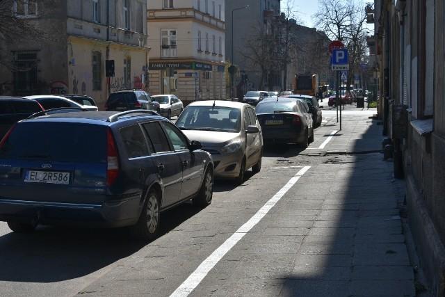 Choć na osiedlach, o które rozszerzono SPP, wymalowano miejsca parkingowe i częściowo zainstalowano też parkomaty, opłaty za parkowanie tam nie będą na razie pobierane.
