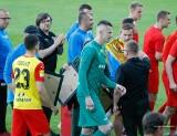 Tak wyglądało pożegnanie Marka Kozioła, Kornela Kordasa i trenera bramkarzy Mirosława Dreszera. Po tym sezonie odchodzą z Korony Kielce