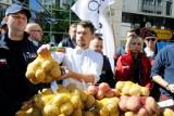 Rolnicy z Kujawsko-Pomorskiego będą rozdawać ziemniaki. To protest Agrounii