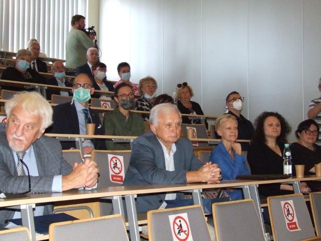 W konferencji uczestniczyli przedstawiciele świata medycznego oraz członkowie rodziny profesora Józefczuka.