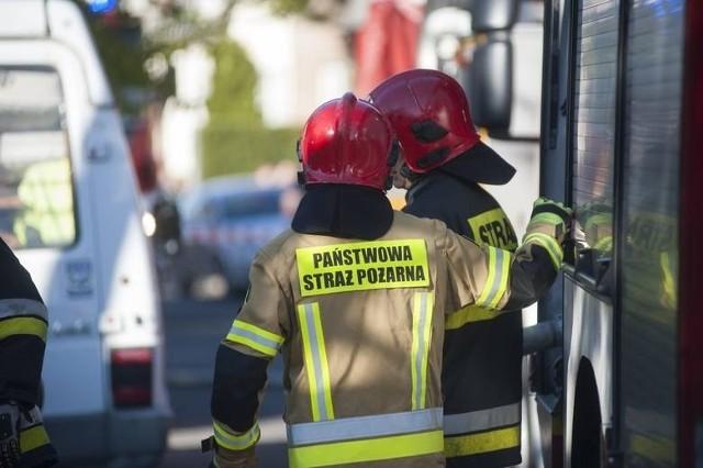 Pożar składowiska opon w Katowicach. Strażacy opanowali sytuację