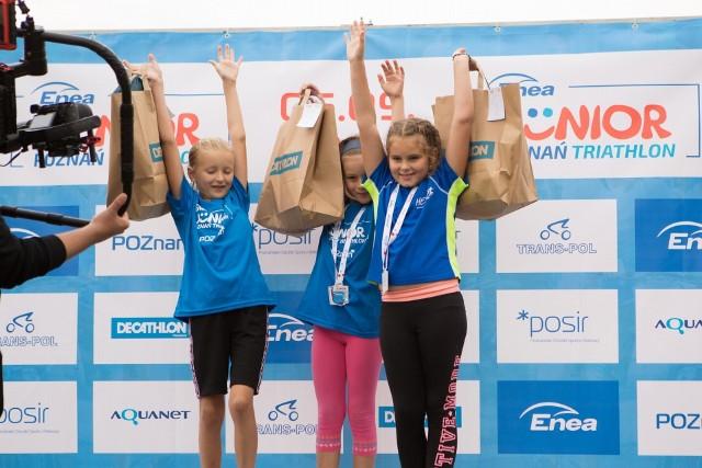 Tak cieszyły się adeptki triathlonu na podium wyjątkowej imprezy dla najmłodszych, organizowanej co roku w stolicy Wielkopolski