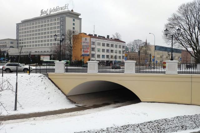 Przejazd dla rowerów pod mostem w pobliżu ronda Lussy w Białymstoku