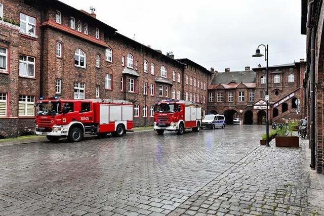 W piwnicy domu w Nikiszowcu odkryto niewybuchy. Interweniowały straż pożarna i policja, ewakuowano mieszkańcówZobacz kolejne zdjęcia. Przesuwaj zdjęcia w prawo - naciśnij strzałkę lub przycisk NASTĘPNE