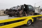 Kierowca uwięziony w zmiażdżonym aucie [ZDJĘCIA]