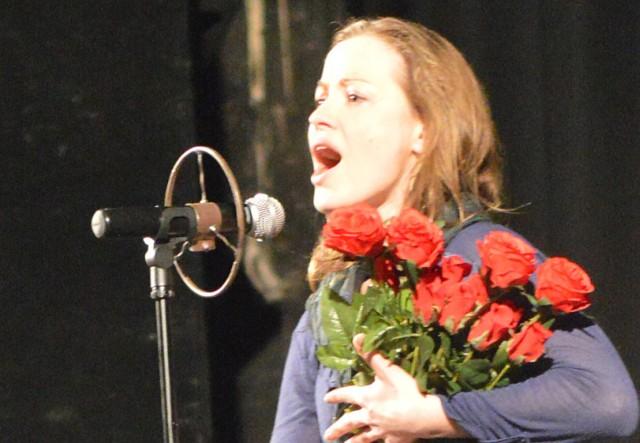Edith Piaf gra Anna Haba