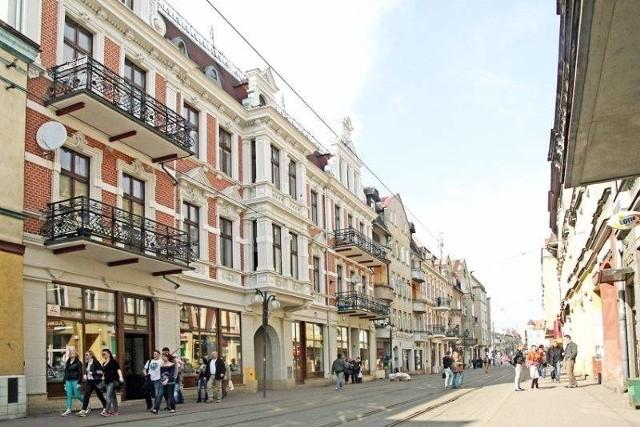 Remont kamienicy przy ul. Toruńskiej w Grudziądzu cieszy oko przechodniów, ale nie lokatorówModernizacja kamienicy przy ul. Toruńskiej 12 kosztowała 2,3 mln. zł i była współfinansowana przez Unię Europejską.