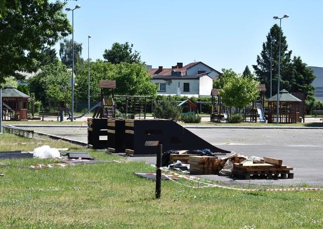 Trwa budowa skateparku na terenie Ośrodka Sportu i Rekreacji w Golubiu-Dobrzyniu. Ma powstać przed wakacjami