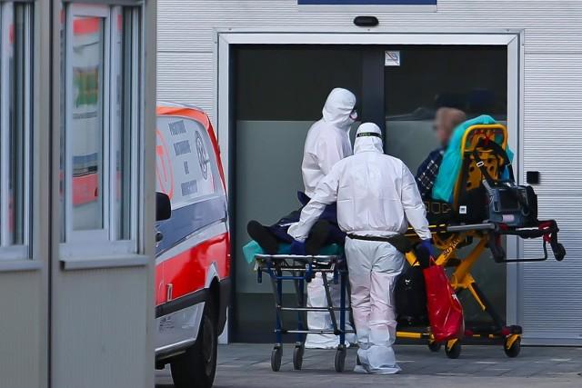 Do 1000 zwiększy się baza łóżek covidowych w szpitalach w województwie opolskim. Rośnie liczba chorych na COVID-19.