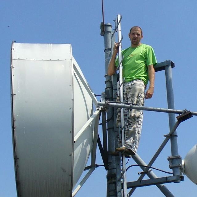 Między innymi dzięki tej antenie powiat ma doskonały system łączności - mówi Tomasz Kulawinek.