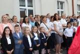 Ostrów Mazowiecka. Rozpoczęcie roku szkolnego 2019/2020 w Szkole Podstawowej nr 1. Zdjęcia