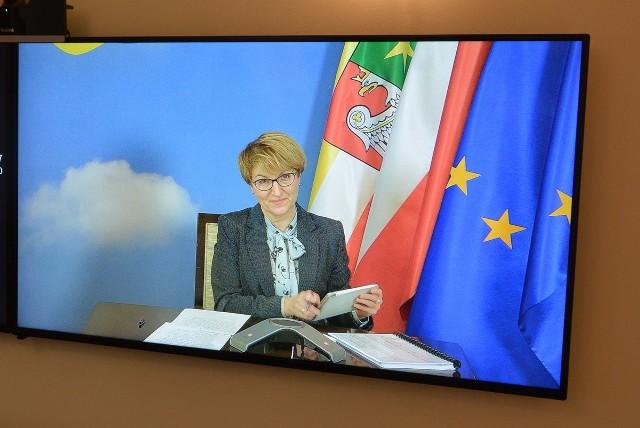 Dochody województwa lubuskiego w 2021 r. zaplanowano na poziomie 534, 3 mln zł – to niewielka różnica w porównaniu do roku ubiegłego, kiedy to wydatki zaplanowano na poziomie 547 mln zł.