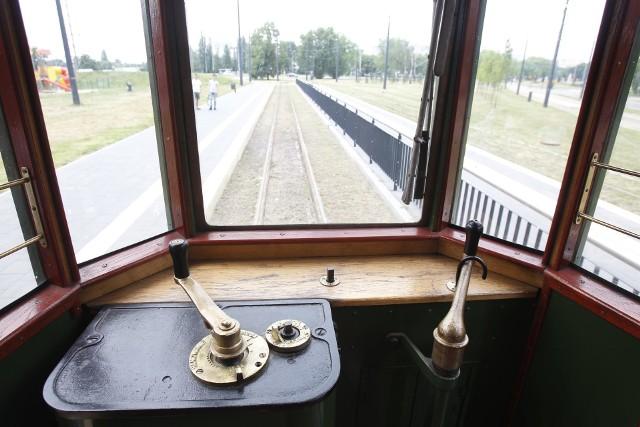 W soboty i niedziele po Łodzi kursuje zabytkowy tramwaj linii 120