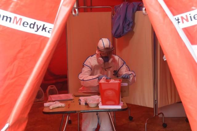 Ministerstwo Zdrowia podaje informację o kolejnych zakażeniach koronawirusem w kraju