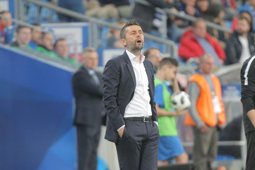 W czwartek Lech Poznań zwolnił trenera Nenada Bjelicę.