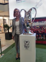 Puchar Polski wystawiony w Galerii Jurajskiej w Częstochowie. Każdy fan Rakowa może sobie zrobić zdjęcie z trofeum