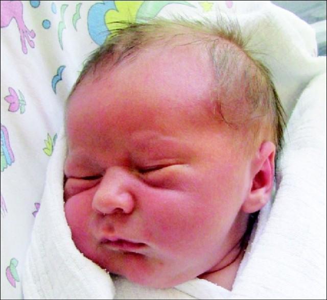 Leon Gajewski to drugie dziecko Sylwii i Piotra z Wyszkowa. Chlopiecurodzil sie 5 maja, wazyl 3920 g i mierzyl 58 cm. Ma 5-letniegobrata, Jakuba.