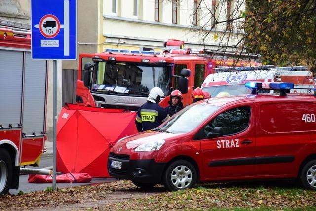 W poniedziałkowym pożarze kamienicy w Inowrocławiu zginęła 31-letnia Monika i jej trzy córki: trzymiesięczna Lena, czteroletnia Zuzia i pięcioletnia Oliwia.