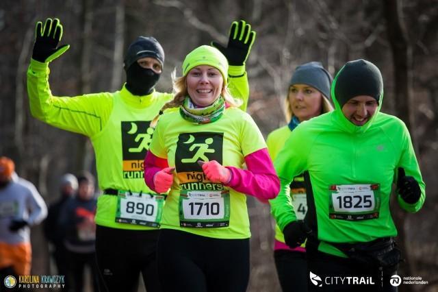 Uczestnicy sobotniego biegu musieli sobie poradzić nie tylko z ujemną temperaturą, ale również ze śliską nawierzchnią