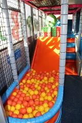 Figlobusy, czyli mobilne place zabaw dla dzieci latem wyruszą tam, gdzie brakuje miejsc zabaw dla najmłodszych