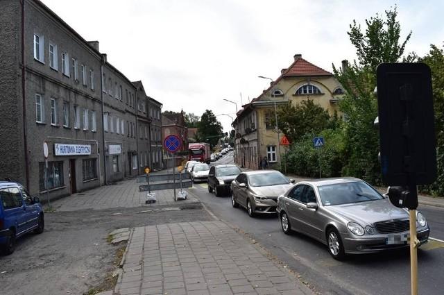 W ostatnim czasie sporo było remontów w Krośnie Odrzańskim, a tym samym... sporo korków na drogach. Szykują się kolejne utrudnienia dla kierowców.