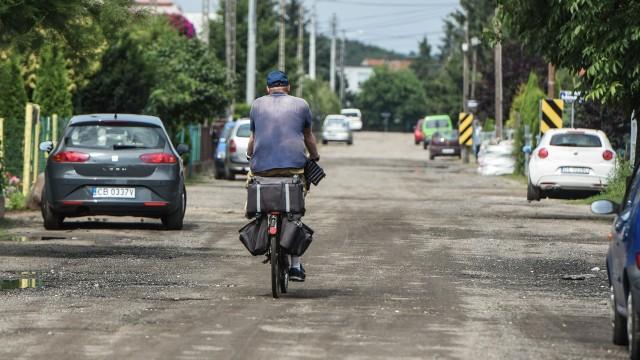 Ulica Łubinowa (na zdjęciu) już ma wybranego wykonawcę remontu. Wkrótce rozstrzygnie się przetarg na utwardzenie Byszewskiej.