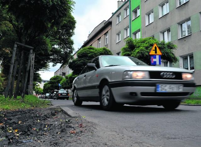 Ulica Jasnogórska wymaga pilnego remontu. Po jego zakończeniu zmieni się również na niej organizacja ruchu