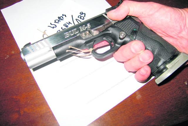 W rękach łodzian jest sporo broni krótkiej, zwłaszcza pistoletów