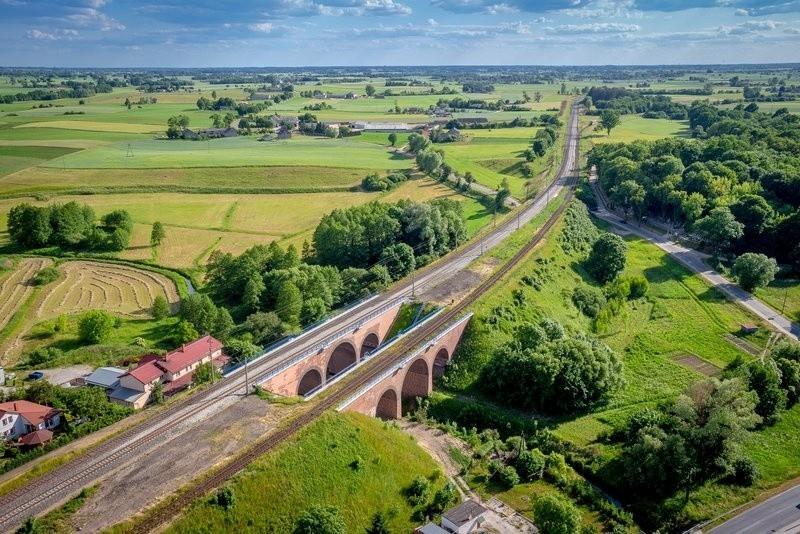 Podróż skróci się o 20 minut. To efekt przeprowadzonej przez PKP Polskie Linie Kolejowe S.A. rewitalizacji 90-kilometrowej trasy.